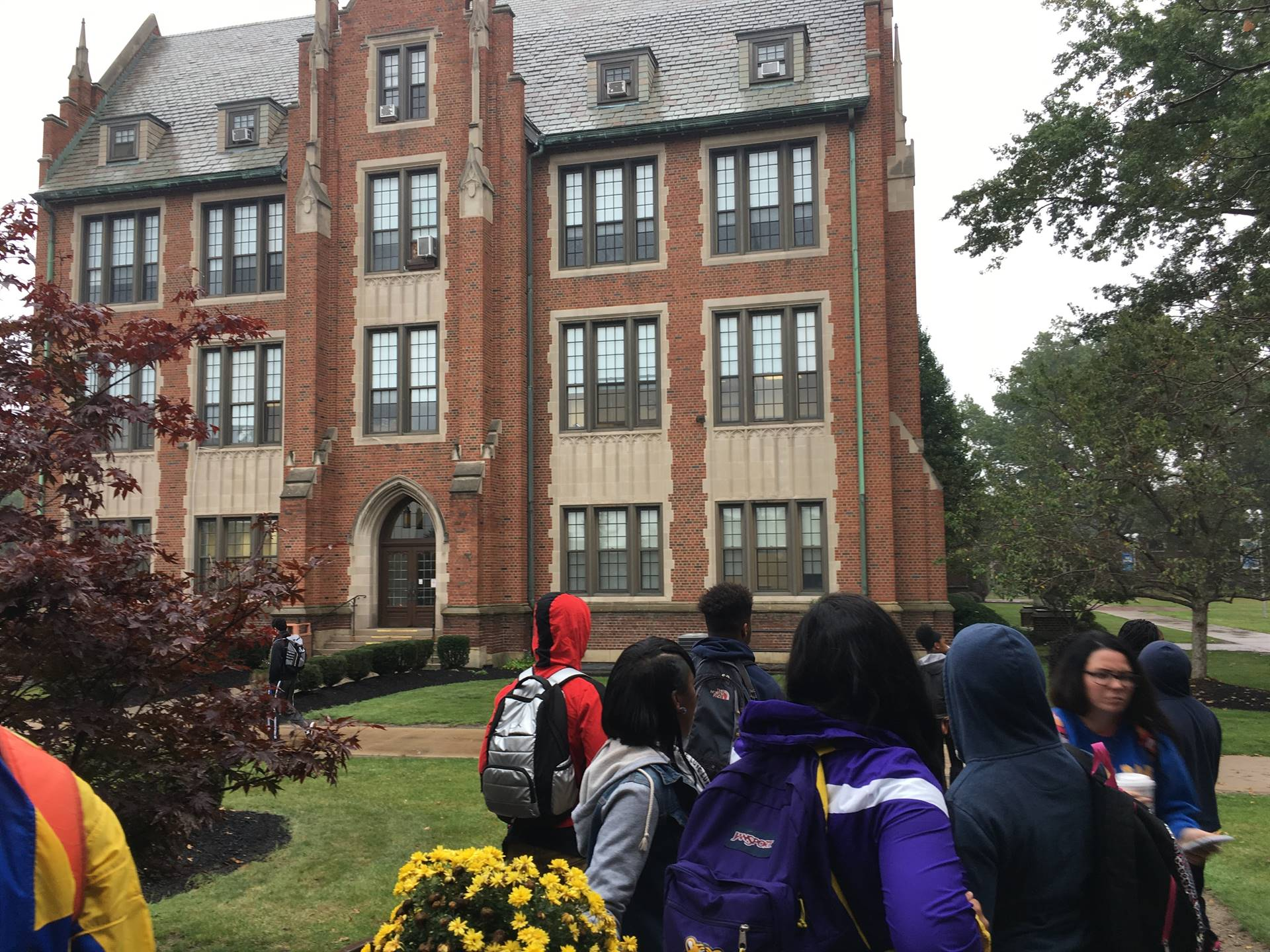 High School Students visiting colleges